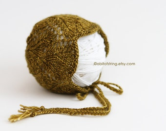 READY TO SHIP Sybil Newborn Bonnet