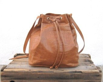 80s 90s Drawstring Pouch Tan Italian Large Leather Bucket Shoulder Bag