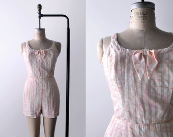 vintage 50's pink playsuit. m. leaf print. 1950's white & pink swimsuit. s bathing suit.
