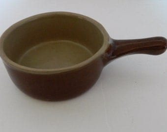 Monmouth Stoneware Pottery Individual Handled Casserole Dish USA Maple Leaf