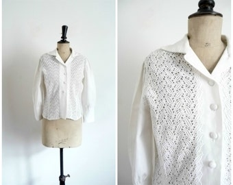 Vintage 50's Blouse White Cotton Reps and Embroidery / Medium Size