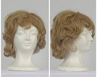 ash blonde 60s vintage ladies wig wavy medium shoulder length wig with bangs synthetic wig costume cosplay fantasy Luxra