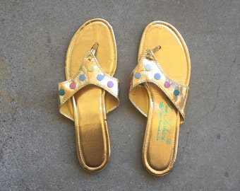 ladies 8B metallic gold and pastel flat sandals 70s vintage thong flip flop dressy open toe shoes