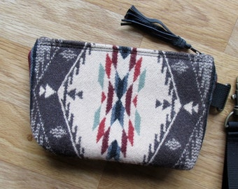Grab N Go Essentials Bag Wrist Clutch Wristlet Cosmetic Bag or Change Purse 7.5 x 4 x 1.5