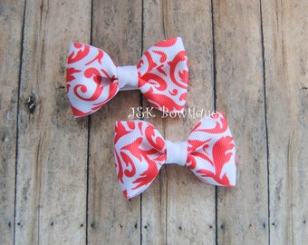 Pigtail Mini Bows on clips....Coral and white...Damask