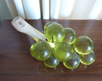 Retro Vintage MCM Peridot Green Grapes Resin Grape Cluster on Driftwood Stem