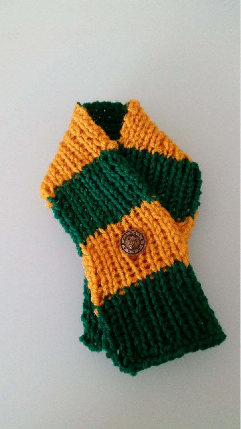 baylor knitted pet scarf