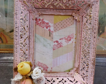 Vintage Chippy Chipped Altered Shabby Chic Cottage Pink Photo Frame