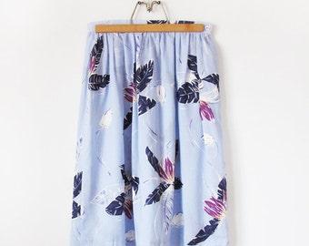 "Vintage Tropical Palm Print Gathered Full Midi Skirt Pale Blue Navy Purple 28"" Waist Womens"