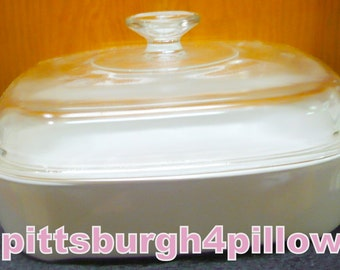 Corning - Winter Frost / White Coupe - Browning Dish W/ Lid  - MW A 10 - EUC - Bottom Is All White