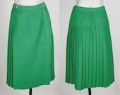 1960s Inspired Fashion: Recreate the Look Vintage 70s Skirt  1970s Kelly Green Irish Wool Pleated Wrap Skirt S $48.00 AT vintagedancer.com