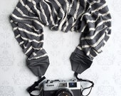 Scalloped Scarf Camera Strap, Extra Long, DSLR Camera Strap, Extra Long, Nikon, Canon, DSLR Photography, Wedding Photographer- Gray Knit