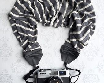 Scalloped Scarf Camera Strap, Extra Long, DSLR Camera Strap, Extra Long, Nikon, Canon, DSLR Photography, Wedding Photographer- Gray Knit