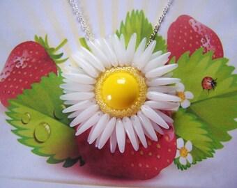 Seed Bead Daisy Pendant Necklace Beaded Flower