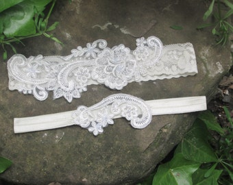 Ivory lace garter,  pearl beaded lace wedding garter set, ivory lace garter set, ivory bridal garter