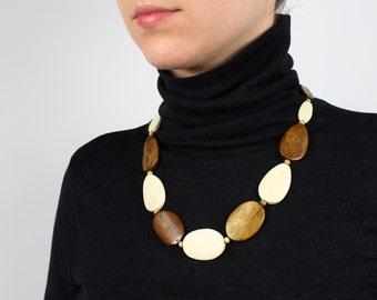 VINTAGE Wood Beaded Necklace Natural Flat Bib