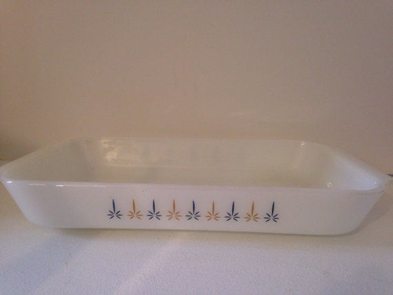 Fire King Casserole Dish • Atomic Candle Glow • Anchor Hocking • #431 2 quart • Vintage Kitchen • Mid Century Bakeware • pyrex