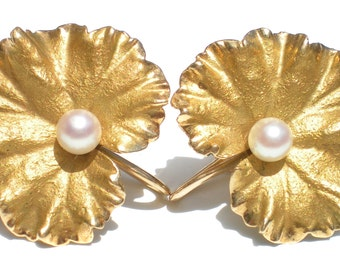 14KT Gold Screw Earrings with an Orbicular Leaf Design and Pearl Centers - Vintage Jewelry