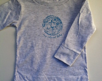 SALE! Honu Longsleeve Infant T-shirt Light Gray (6.12.18 months)