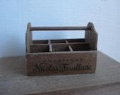 Miniature bottles holder