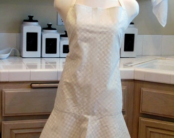 Full Apron with Flirty Skirt: Ivory Valentine Hearts and Plaid
