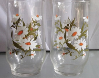 Daisy Tumblers, Vintage Glassware, Set of Two Drinking Glasses, Daisies and Leaves Design, Kitchen, Beverage Serving, Clear Glass