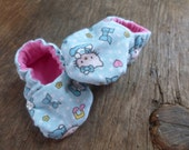 Soft Flannel Kitty Cat Baby Booties - Size 0 to 3 months