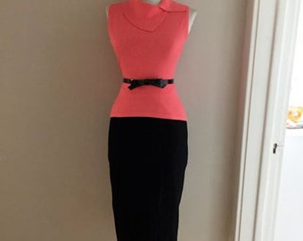 VINTAGE 60s Jet Black Straight Fitted Pencil Wiggle Skirt