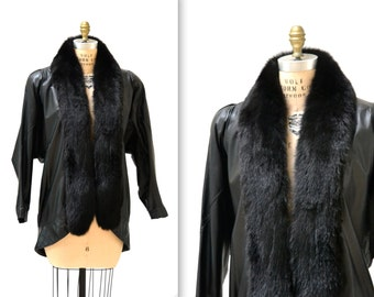 Vintage Black Leather Jacket Coat with Fur Collar size Small Medium// Vintage Fox Fur and Leather Jacket