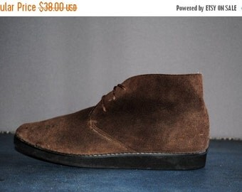 ON SALE 50% Vintage Brown SUEDE Lace Up Booties. Women's Size 7 (Euro 37.5)