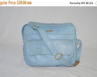 ON SALE 50% Vintage 70s SKY Blue Samsonite Vinyl Travel Bag