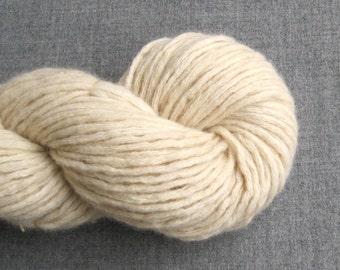 Super Bulky Weight Wool Angora Blend Recycled Yarn, Vanilla, 170 yards, Lot 040316