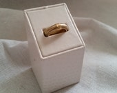 Valentines Day Vintage 14k yellow gold brushed band ring