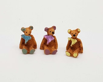 sitted resin bears