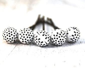 Polka dot Bobby Pins | Bobby pins | Black and white hair accessory | Hair pin | Hair Jewelry | Hair bling | Hair accessory | Retro bobby pin