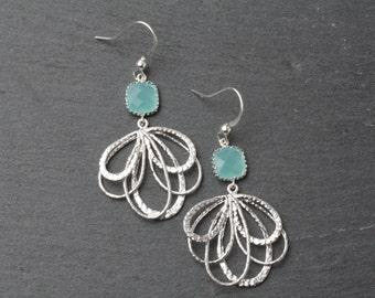 Mint earrings, Mint bridesmaid earrings, Mint wedding earrings, silver chandelier earrings, Chandelier Earrings, Mint earrings, mint crystal