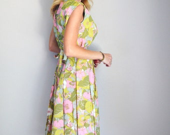 Vintage 50s 60s Pink Green Kneelength Floral 1960s Mod Belted Dress // womens medium