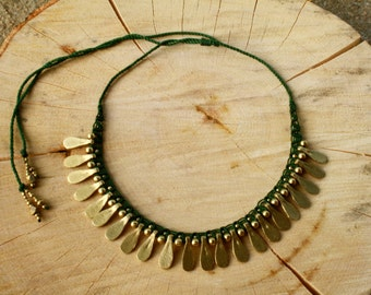 Dark green neckalce, tribal necklace, statement necklace, spiky necklace, collar, boho necklace, bib necklace, ethnic necklace, macrame,