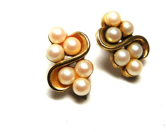 Vintage RICHELIEU Earrings Gold/faux Pearl Swirls Classic Beauty Bride Mom Holiday Parties
