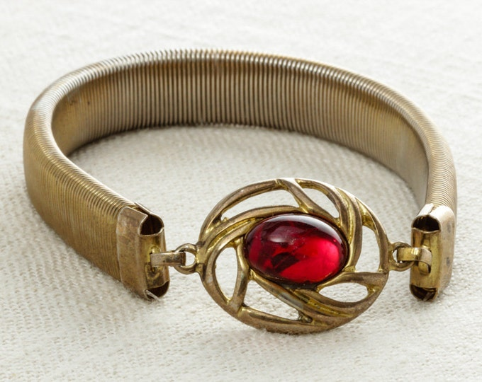 Gold Vintage Bracelet | Sweater Guard | 1950s 1960s Stretchy Chunky Cuff | Sweaterguard | Elastic Slinky Red Cabochon | True Vintage 15A