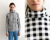 Checker Patterned Turtleneck Top / Checkered black and white High Neck Long Sleeve / Retro Mock Neck Sweater / 80s 90s Grunge Plaid Shirt