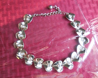 Vintage 1950s to 1960s Gold Tone Heart Necklace With Rhinestones Adjustable