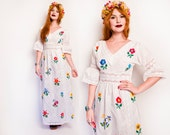 Vintage 1960s Mexican Wedding Dress - White Crochet Lace Floral Maxi Gown 60s - Small