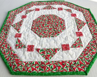 Peppermint Table Topper-Reversible-Free Shipping to US and Canada