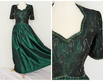 Formal beaded satin lace maxi gown dress / rich emerald green / 1980s retro Victoria Royal designer /prom formal / womens small size