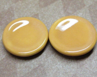 17mm Dollhouse Miniature plates tiny dishes caramel ceramic 2pcs 1:18 scale three quarters / half scale / 12th