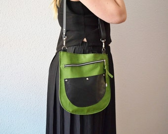 Leather purse,green bag,leather bag,green leather purse,green leather bag,zippered handbag,zippered bag,crossbody bag,green zippered bag
