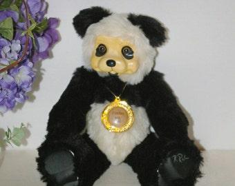 Robert Raikes Limited Edition Fenlan Wooden Panda Bear #910/1500 Signed EUC