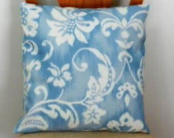 Blue White Floral Pillow Cover, Linen Like Slub Home Dec Fabric,  18 x 18 inch, for sofa, chair, bed