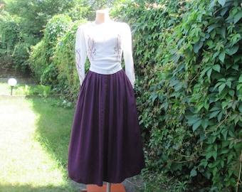 Full Skirt Vintage / Violet Full Skirt / Side Pockets / Size EUR42 X UK14 / Made in West Germany